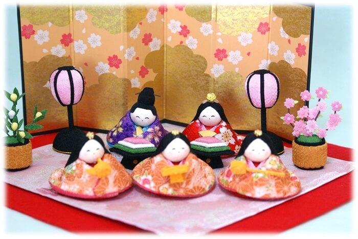 http://image.rakuten.co.jp/wazakka-yufuka/cabinet/ningyou-others01/hina01/ryuko_sukoyaka03.jpg