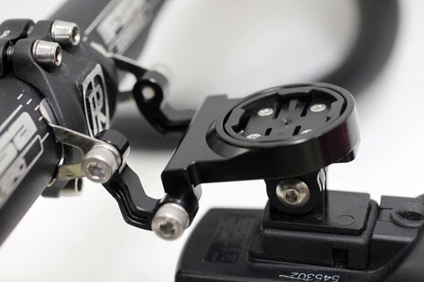 自転車の ステム 自転車 取り付け : コンピューターとライトの同時 ...