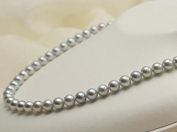 【真珠の本場 伊勢志摩よりお届け】上品なグレーパール♪7.0〜7.5mm あこや本真珠シルバーグレーパールネックレス【nc0117】(右側)