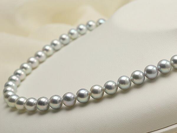 【真珠の本場 伊勢志摩よりお届け】落ち着いたグレーの魅力♪8.5〜9.0mm あこや本真珠シルバーグレーパールネックレス【nc0235】(右側)