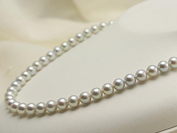 【真珠の本場 伊勢志摩よりお届け】淡いシルバーグレー♪7.0-7.5mm あこや本真珠シルバーグレーパールネックレス【nc0458】(右側)