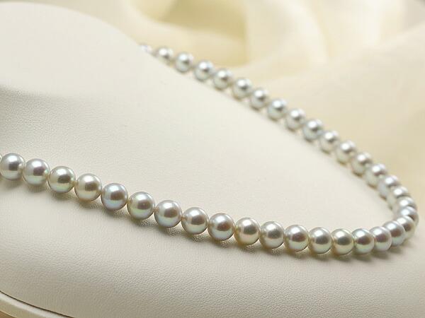 【真珠の本場 伊勢志摩よりお届け】淡いシャンパンゴールド♪7.0-7.5mm あこや本真珠シルバーグレーパールネックレス【nc0459】(左側)