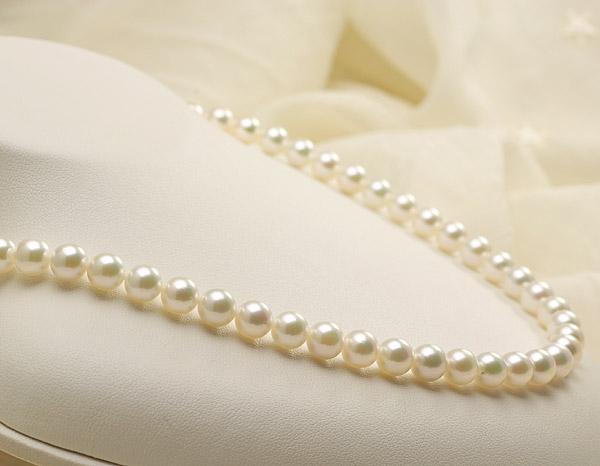 【真珠の本場 伊勢志摩よりお届け】上品なグリーンが美しい♪7.0〜7.5mmあこや本真珠準花珠パールネックレス(鑑別書付)【39230】