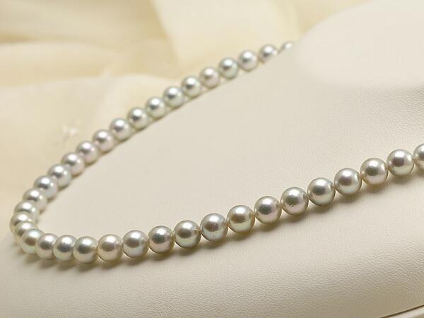 【真珠の本場 伊勢志摩よりお届け】落ち着いたグレーが魅力♪7.0-7.5mm あこや本真珠シルバーグレーパールネックレス【nc0457】(右側)