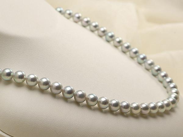 【真珠の本場 伊勢志摩よりお届け】深みのあるグレー♪7.0-7.5mm あこや本真珠シルバーグレーパールネックレス【nc0660】(左側)