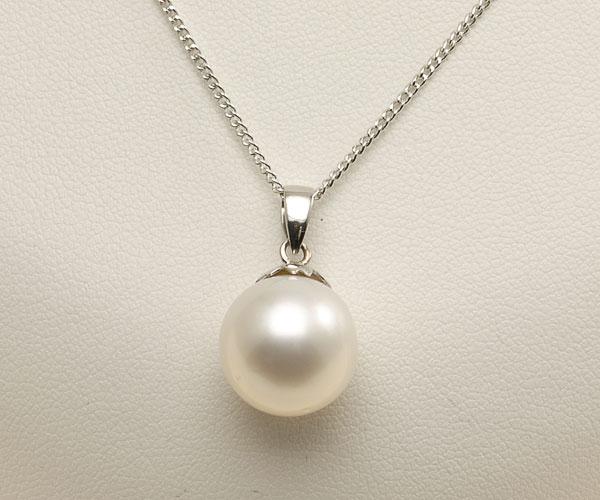 【真珠の本場 伊勢志摩よりお届け】上品なホワイト<br>12.4mm白蝶真珠ペンダントトップ【pt0019】