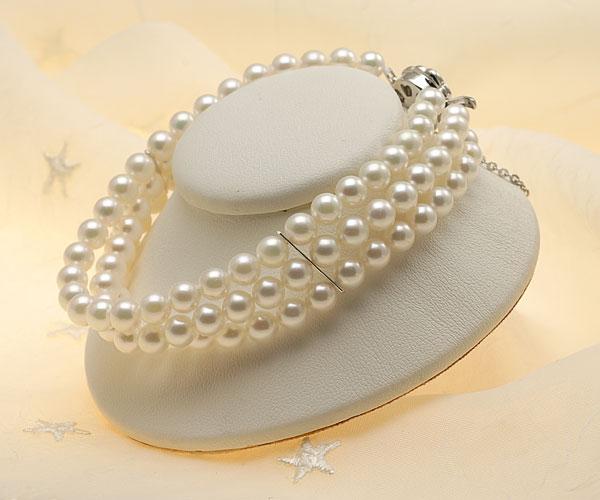 【真珠の本場 伊勢志摩よりお届け】ほんのり淡い色目♪5.5-6.0mmあこや本真珠3連パールブレスレット【bl0061】