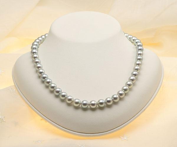 【真珠の本場 伊勢志摩よりお届け】グレーの深みある輝き♪8.5〜9.0mmあこや本真珠シルバーグレーパールネックレス【nc0479】(正面)