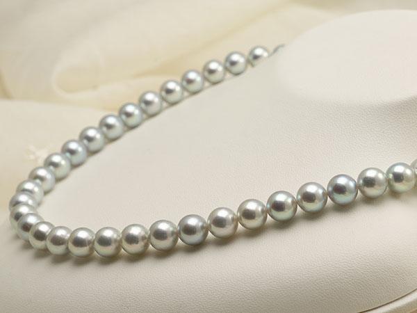 【真珠の本場 伊勢志摩よりお届け】グレーの深みある輝き♪8.5〜9.0mmあこや本真珠シルバーグレーパールネックレス【nc0479】(右側)