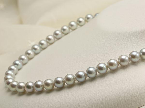 【真珠の本場 伊勢志摩よりお届け】深みのあるグレーが魅力♪8.5〜9.0mm あこや本真珠シルバーグレーパールネックレス【nc0677】(右側)