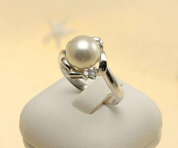 【真珠の本場 伊勢志摩よりお届け】真珠がリボンに囲まれた可愛らしいリング♪8.5mmあこや本真珠プラチナパールリング【rg0010】