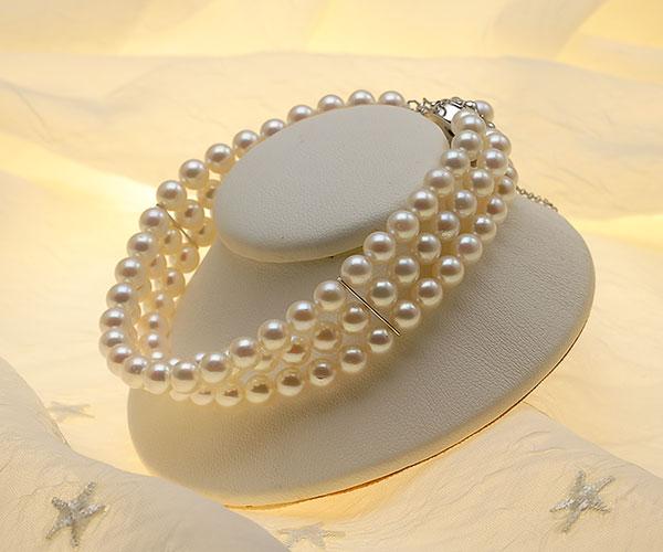 【真珠の本場 伊勢志摩よりお届け】ほんのり淡いピンクグリーン♪5.5-6.0mmあこや本真珠3連パールブレスレット【bl0064】