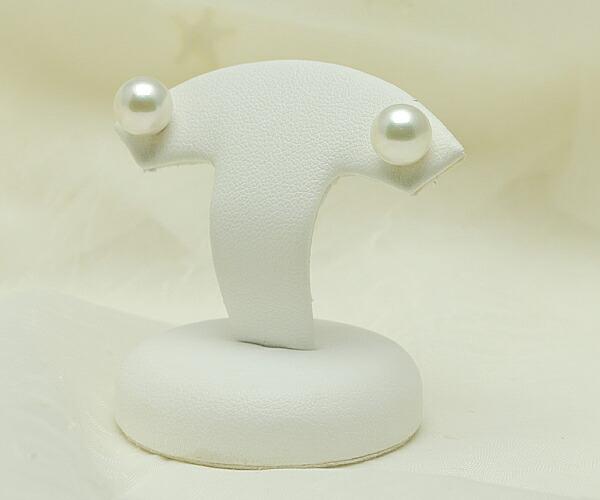 【真珠の本場 伊勢志摩よりお届け】淡いグリーンが広がる♪8.0mmあこや本真珠ピアス【n1229】