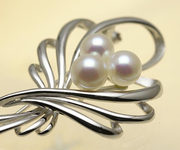 【真珠の本場 伊勢志摩よりお届け】 3粒のピンクパール♪あこや本真珠ブローチ【n1522】
