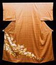Pure silk fabrics colored formal kimono kimono (it is tailored, and it is likely extreme longevity Chrysanthemum flower in the colored formal kimono astringent juice め red rust place C))