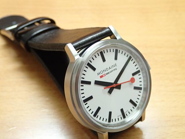 モンディーン腕時計