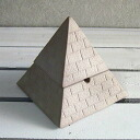 Interesting miscellaneous goods | Smoking paraphernalia | | with the cover Pyramid ashtray