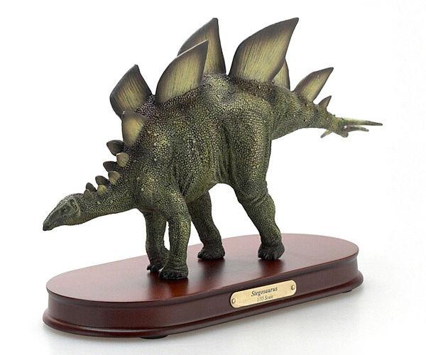 恐竜フィギュア デスクトップモデル ステゴサウルス