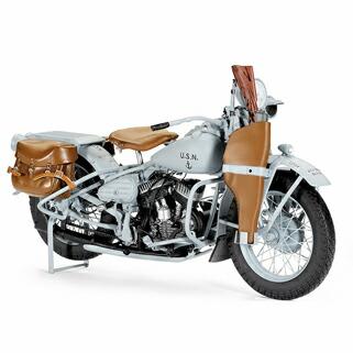 このモデルは、その1944年型ハーレーダビッドソン・U・ネイビー・ミリタリー・モーターサイクルを忠実に再現したものです。