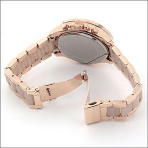 マイケル コース  煌びやかなパヴェストーンをまとったラグジュアリーな大きめサイズのレディス腕時計。 MK6096
