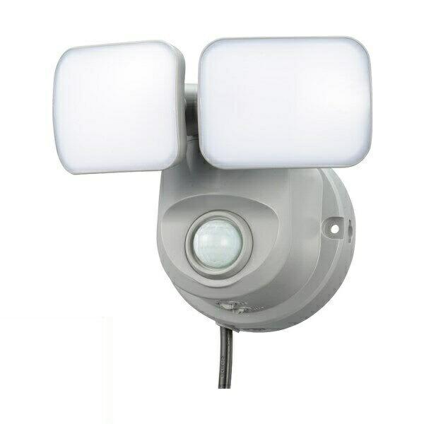 【送料無料】OHM LEDセンサーライト コンセント式 2灯 800lm 07-8068 OSE-LS800 車庫・玄関・エントランスのセキュリティー 防犯ライト