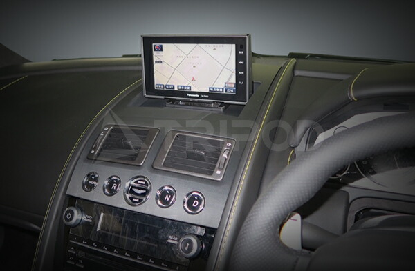 【AM-PU01】新型 Aston Martin 用ポップアップナビキット
