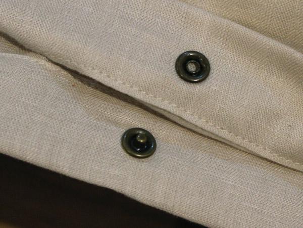 出し入れしやすい裾ボタン式