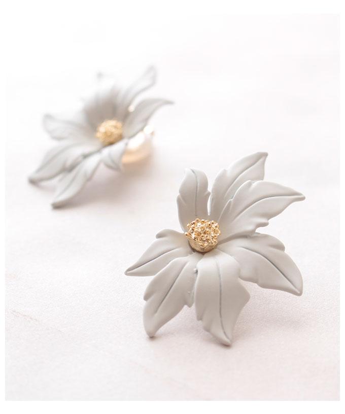 可憐に咲くお花のイヤリング【6月15日8時販売新作】