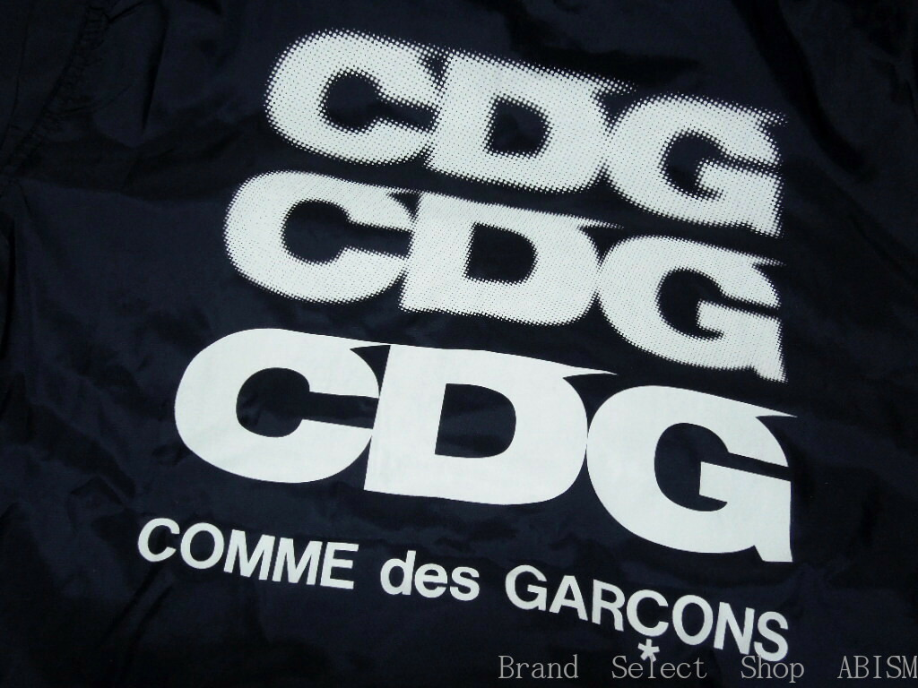 commes des garcons brand Supreme x comme des garcons t shirt brand new size m there is a ink spot under right arm(see the picture.