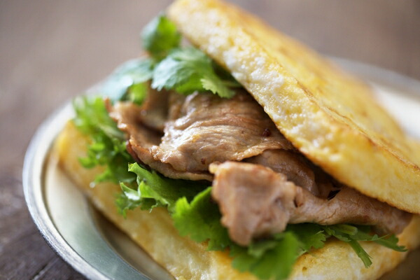 ポークソテーのフレンチトーストサンドイッチ