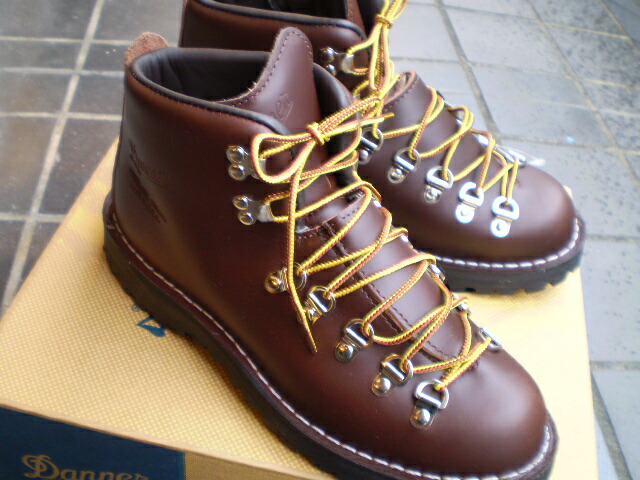 danner shoes europeans wearing shoes