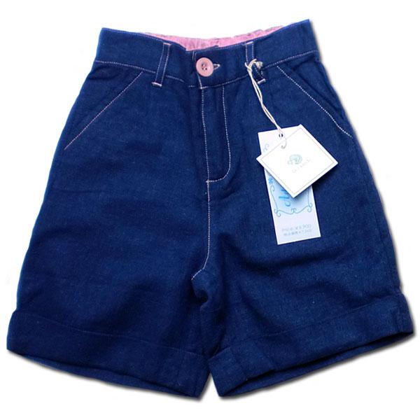 【インポート子供服】刺繍が可愛いフォーマルに映える爽やかなショートパンツで紳士の気品を纏う。