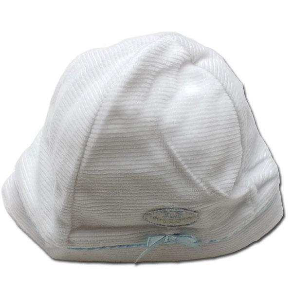 ちっちゃくて可愛いベビーちゃんのお帽子です。