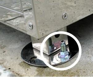 盗難防止・強風などによる転倒防止対策としてアンカー施工による設置が可能です。