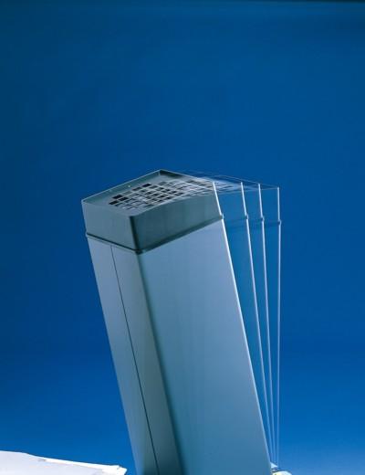 使用素材や総重量、重心位置などを考慮し、斜角18度まで転倒しない設計です。