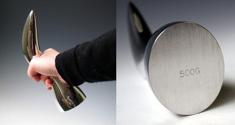 おしゃれなダンベル   Reddot受賞 ダンベル 0.5kg aquarium[アクアリウム] 手に持った画像