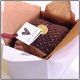 ハーフロールタオルケーキチョコ:手持ち付ケーキ箱入り