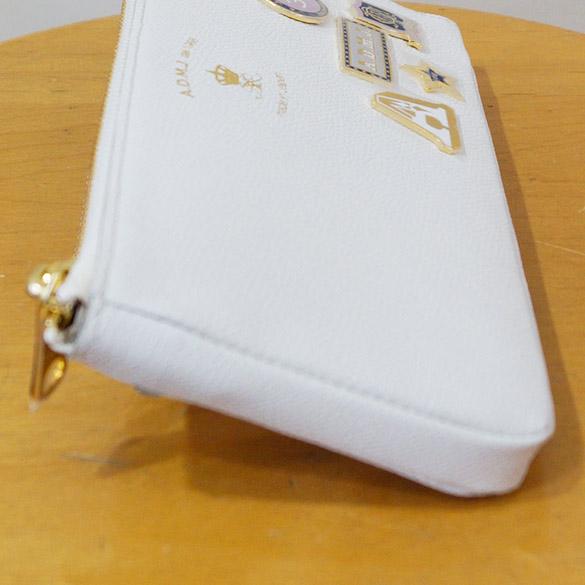 e63341466bfd ADMJの人気長財布L字型ファスナー長財布の新作が入荷! 一つ一つ個性のある七宝焼きバッジを5つ付けた、おしゃれなL字ファスナー財布です。