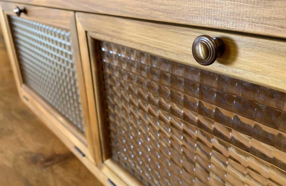 横型キャビネット フランス製チェッカーガラス 2枚扉 80×15×26cm アンティークブラウン 真鍮ノブ