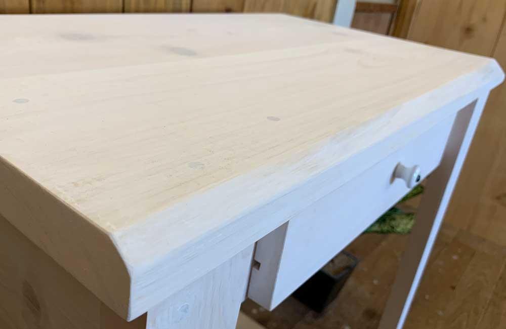 パソコンデスク ホワイトステイン 白つまみ 70x40x80cm 自然木耳付き 木製 ひのき 受注製作