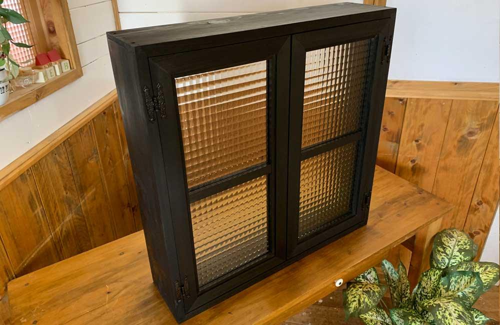室内窓 ブラックステイン w60d15h60cm チェッカーガラス 両面桟入り 飾り蝶番 アイアン取手 木製 ひのき ハンドメイド 受注製作