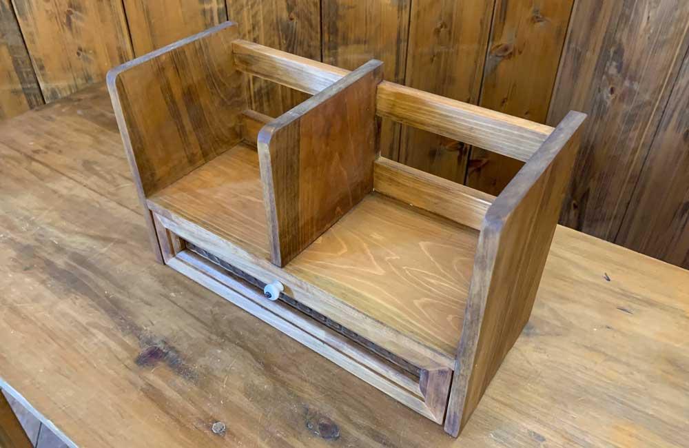 ブックスタンド チェッカーガラス引出し 白つまみ 33x14x20cm アンティークブラウン 木製 ひのき ハンドメイド 受注製作