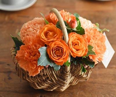 溢れるマルシェ花オレンジ