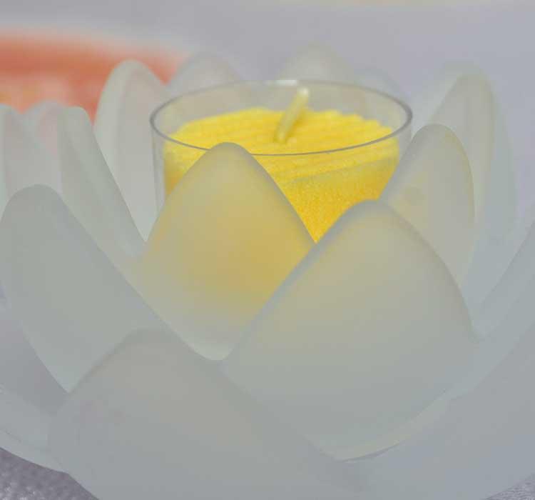 「ロータスグレイス(フロスト)」1個入りLEDコースターセット【蓮】【LED】【仏事】【御供】【蝋燭】【贈答用】【進物蝋燭】【新盆見舞】【お盆】【盆提灯】【喪中見舞】【お悔やみ】