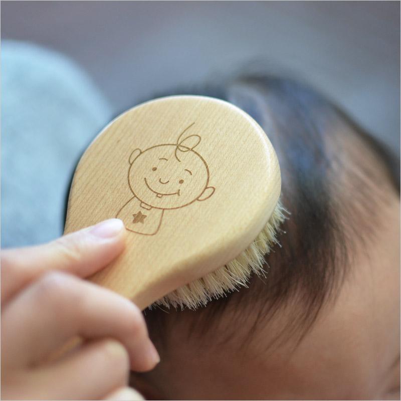 ベビー用ヘアブラシ & 櫛セットヘアーブラシ 天然 メープルウッド 木製 木 豚毛 櫛 髪の毛 赤ちゃん ベビー 出産祝い 贈り物 スタイル 雑貨