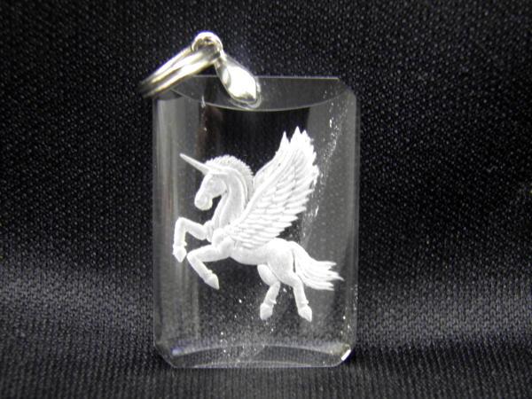 【ペンダントトップ】水晶 ペガサス 手彫り(深彫り)ペンダントトップ 天然石 パワーストーン