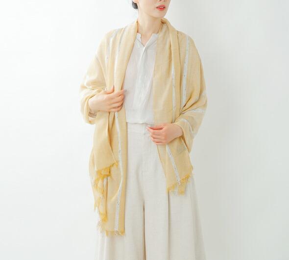 """UN MADE(アンメイド)<br>大判メタリックボーダースカーフ""""Joy scarf"""" 82028"""