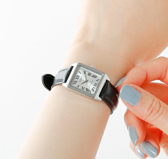 CASIO(カシオ)<br>スクエアケースレザーベルト腕時計 ltp-v007l-1b-7b-9b