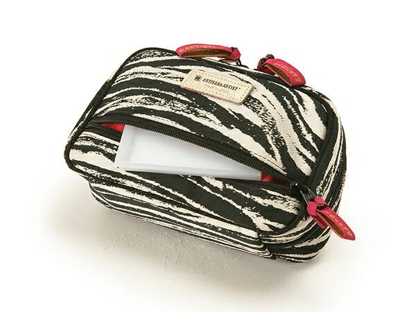スマートティッシュケース付きサブポーチ<Zebra Chic(ゼブラ・シック)>