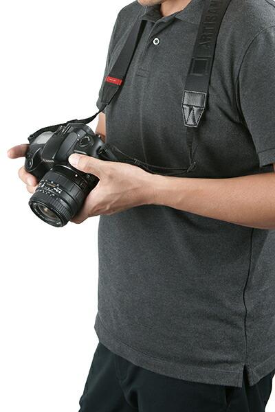 プロフェッショナルカメラストラップ